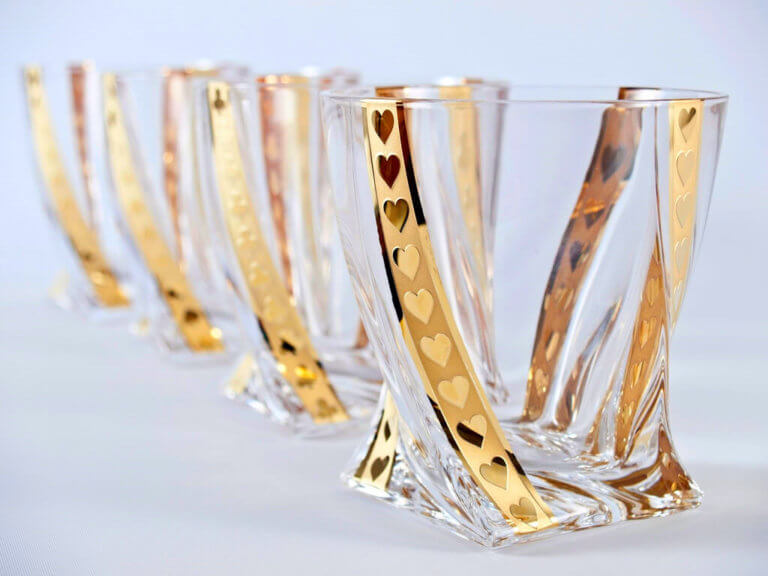 Gold poker whisky tumblers 340 ml - hearts