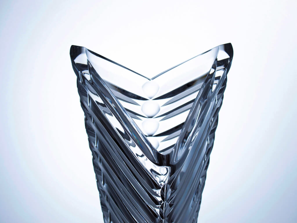 Hand-made and cut crystal triangular vase - Arrow , height 40 cm.