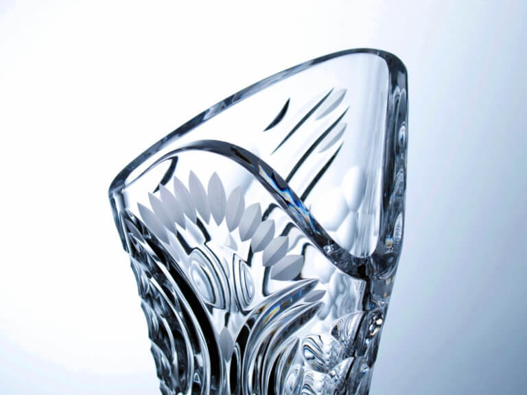 Hand-made and cut crystal triangular vase - Cosmos, 40 cm.