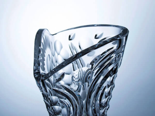 Hand-made and cut crystal triangular vase - Cosmos decor, height 40 cm.