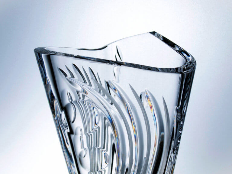 Hand made and cut crystal triangular trophy Wave 40 cm.